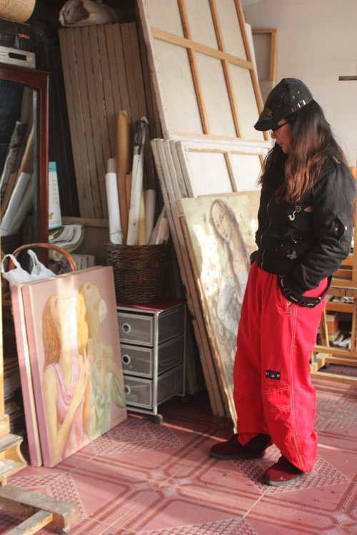 In Her Studio - Zhong Yao